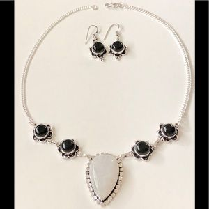 Jewelry - 🛍BLACK ONYX AND MOONSTONE NECKLACE/ EARRINGS SET✨